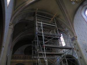 Echafaudage dans l'église